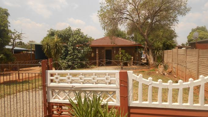 House for Sale For Sale in Jan Niemand Park - Private Sale - MR136642