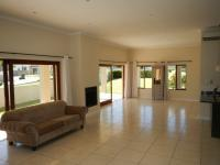 Lounges - 32 square meters of property in Paarl