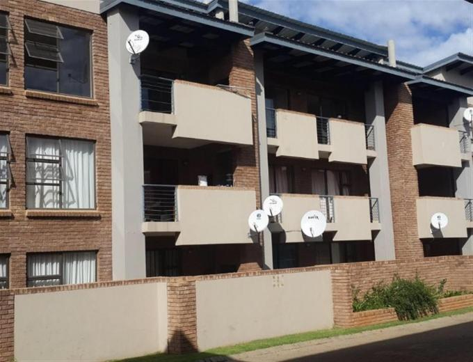 2 Bedroom Sectional Title for Sale For Sale in Middelburg - MP - Private Sale - MR136694