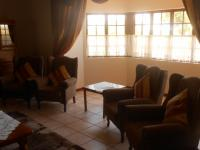 Lounges - 57 square meters of property in Boschkop