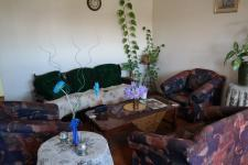 Lounges - 44 square meters of property in Kraaifontein