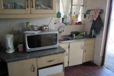 Kitchen - 32 square meters of property in Kraaifontein