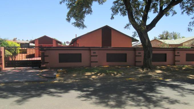 3 Bedroom House For Sale in Vanderbijlpark - Home Sell - MR136849