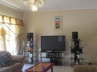 Lounges - 25 square meters of property in Vanderbijlpark