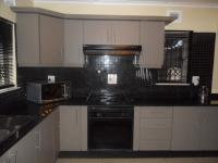 Kitchen - 17 square meters of property in Overport