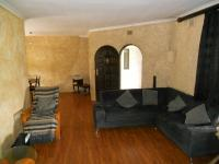 Lounges - 23 square meters of property in Escombe