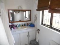 Main Bathroom - 6 square meters of property in Escombe