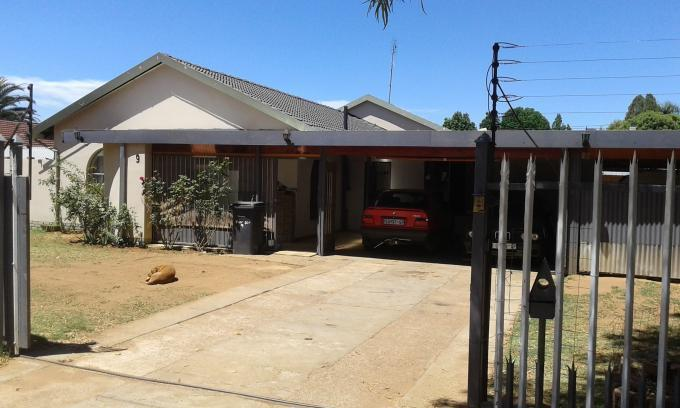 Standard Bank EasySell 4 Bedroom House For Sale in Bronkhorstspruit - MR136862
