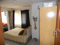 Main Bedroom - 19 square meters of property in Queensburgh