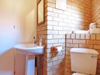 Guest Toilet - 3 square meters of property in Moreletapark