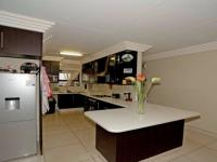 Kitchen - 11 square meters of property in Ravenswood