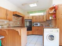 Kitchen - 32 square meters of property in Waterkloof Ridge