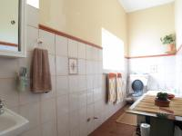 Main Bathroom - 13 square meters of property in Garsfontein