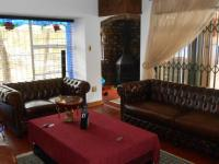 Lounges - 35 square meters of property in Albemarle
