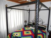 Bed Room 3 - 9 square meters of property in Elysium