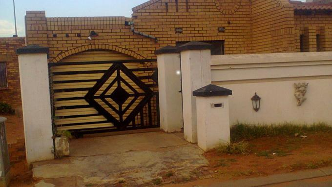 Standard Bank EasySell 2 Bedroom House for Sale For Sale in Ratanda-JHB - MR137151
