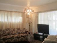 Lounges - 19 square meters of property in Buyscelia AH