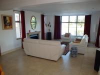 Lounges - 19 square meters of property in Paarl