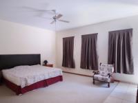 Main Bedroom - 28 square meters of property in Silver Lakes Estate