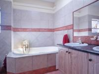 Main Bathroom - 17 square meters of property in Silver Lakes Estate