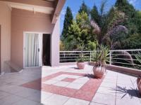 Balcony - 33 square meters of property in Silver Lakes Estate