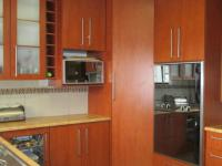 Kitchen - 15 square meters of property in Roodekop