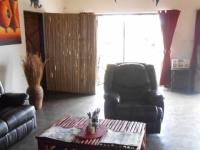 Lounges - 94 square meters of property in Benoni