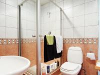 Bathroom 1 - 6 square meters of property in Waterkloof