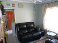 Lounges - 14 square meters of property in Stanger