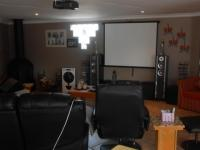 TV Room - 32 square meters of property in Petersfield