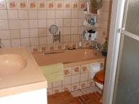Main Bathroom - 6 square meters of property in Petersfield