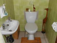 Bathroom 2 - 3 square meters of property in Petersfield