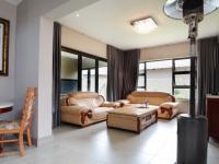 Lounges - 20 square meters of property in Silverwoods Country Estate