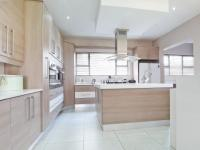 Kitchen - 23 square meters of property in Silverwoods Country Estate
