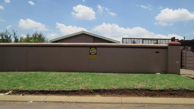 Standard Bank EasySell 3 Bedroom Cluster for Sale For Sale in Eldorado Park A/H - MR137561