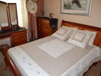 Bed Room 1 - 12 square meters of property in Sunward park