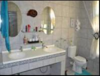 Main Bathroom - 10 square meters of property in Sunward park