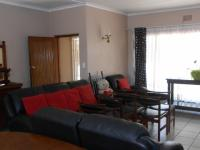 Lounges - 88 square meters of property in Strubenvale