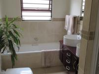 Main Bathroom - 9 square meters of property in Barbeque Downs