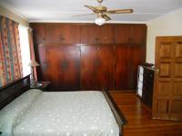 Main Bedroom - 29 square meters of property in Illovo Beach