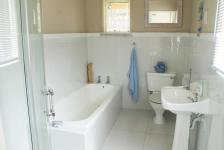 Main Bathroom - 7 square meters of property in Hillcrest - KZN