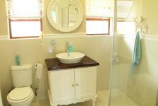 Bathroom 1 - 4 square meters of property in Hillcrest - KZN