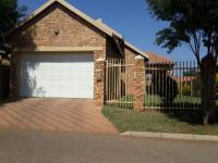 3 Bedroom 2 Bathroom Cluster for Sale for sale in Theresapark
