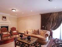 Lounges - 86 square meters of property in The Wilds Estate