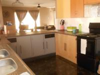 Kitchen - 15 square meters of property in Die Heuwel