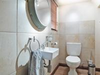 Guest Toilet - 5 square meters of property in The Meadows Estate