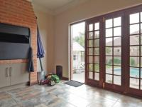 Patio - 37 square meters of property in The Meadows Estate