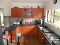Kitchen - 35 square meters of property in Kloof
