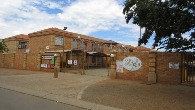 3 Bedroom Apartment For Sale in Potchefstroom - Private Sale - MR137951