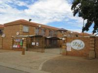 3 Bedroom 1 Bathroom Flat/Apartment for Sale for sale in Potchefstroom
